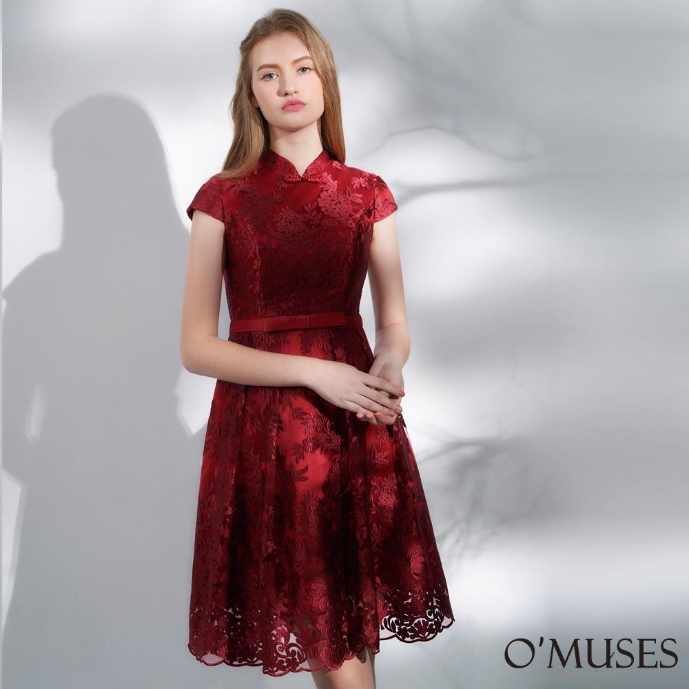 OMUSES 蕾絲刺繡改良式旗袍短禮服