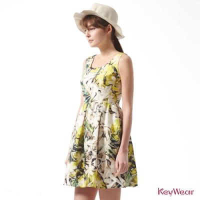 KeyWear奇威名品    森林系蓬鬆感立體印花洋裝-綜合色