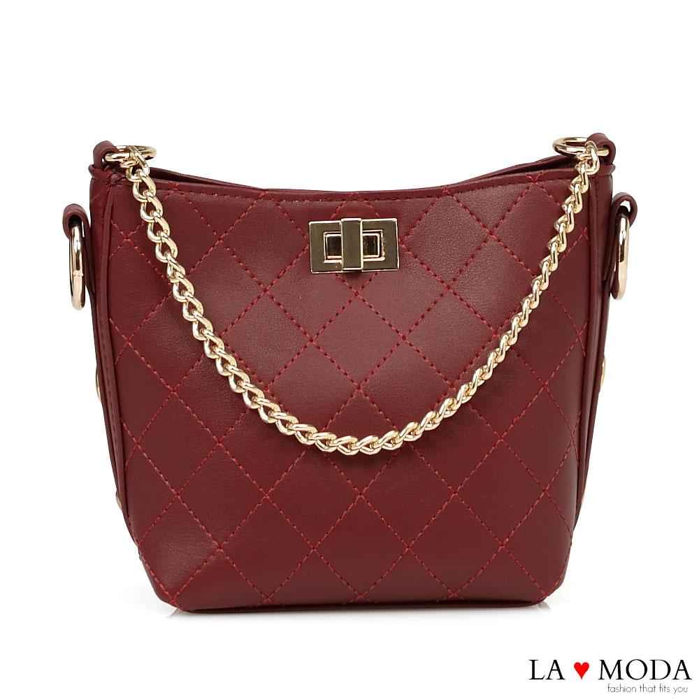 La Moda 人氣小香風菱格紋車線大容量旋鈕鍊帶多背法肩背斜背包(紅)