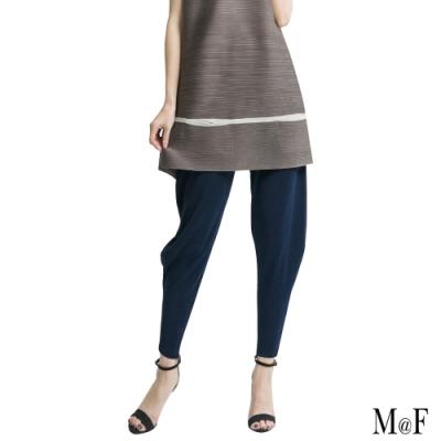 M@F摺衣 飄逸剪裁壓摺菸管褲- 藍