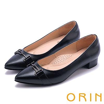 ORIN 魅力時尚OL 金屬飾扣羊皮尖頭低跟鞋-黑色