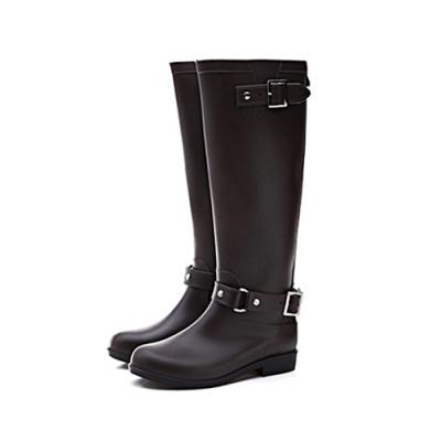 韓國KW美鞋館-寬鬆舒適扣環防水輕量雨鞋雨靴 咖啡