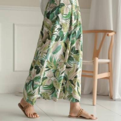 La Belleza後鬆緊腰渡假風樹葉圈圈印花闊腿褲絲滑料寬褲