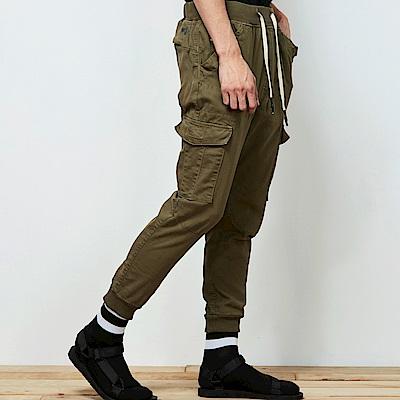 地藏小王 BLUE WAY擅變我型系列-多口袋針織縮口褲_卡其綠