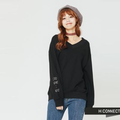 H:CONNECT 韓國品牌 女裝 - V領休閒文字上衣-黑(快)