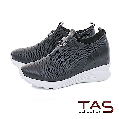 TAS金屬馬蹄扣飾彈力牛皮內增高休閒鞋–百搭黑