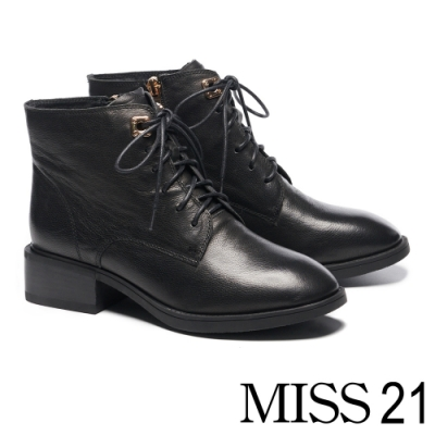 短靴 MISS 21 質感個性女孩牛皮綁帶粗跟短靴-黑