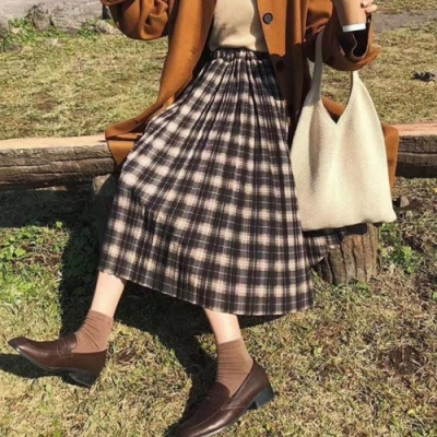 La Belleza鬆緊腰咖啡紅色格紋毛料百摺裙中長裙