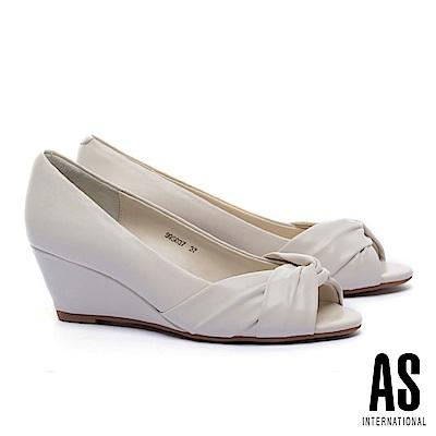 高跟鞋 AS 扭結造型柔軟全真皮魚口楔型高跟鞋-米