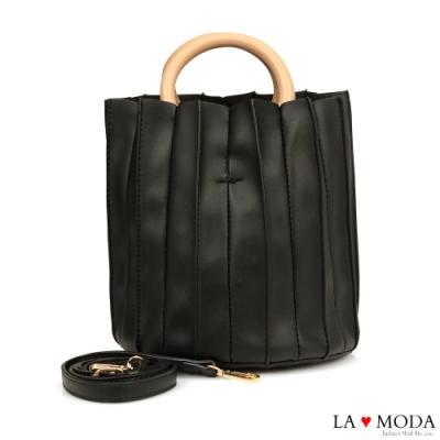La Moda 質感設計滿點皺摺設計木質手把肩背手提圓筒包(黑)