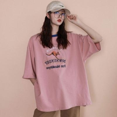 La Belleza圓領亮色滾邊袋鼠英文字印花棉質T恤