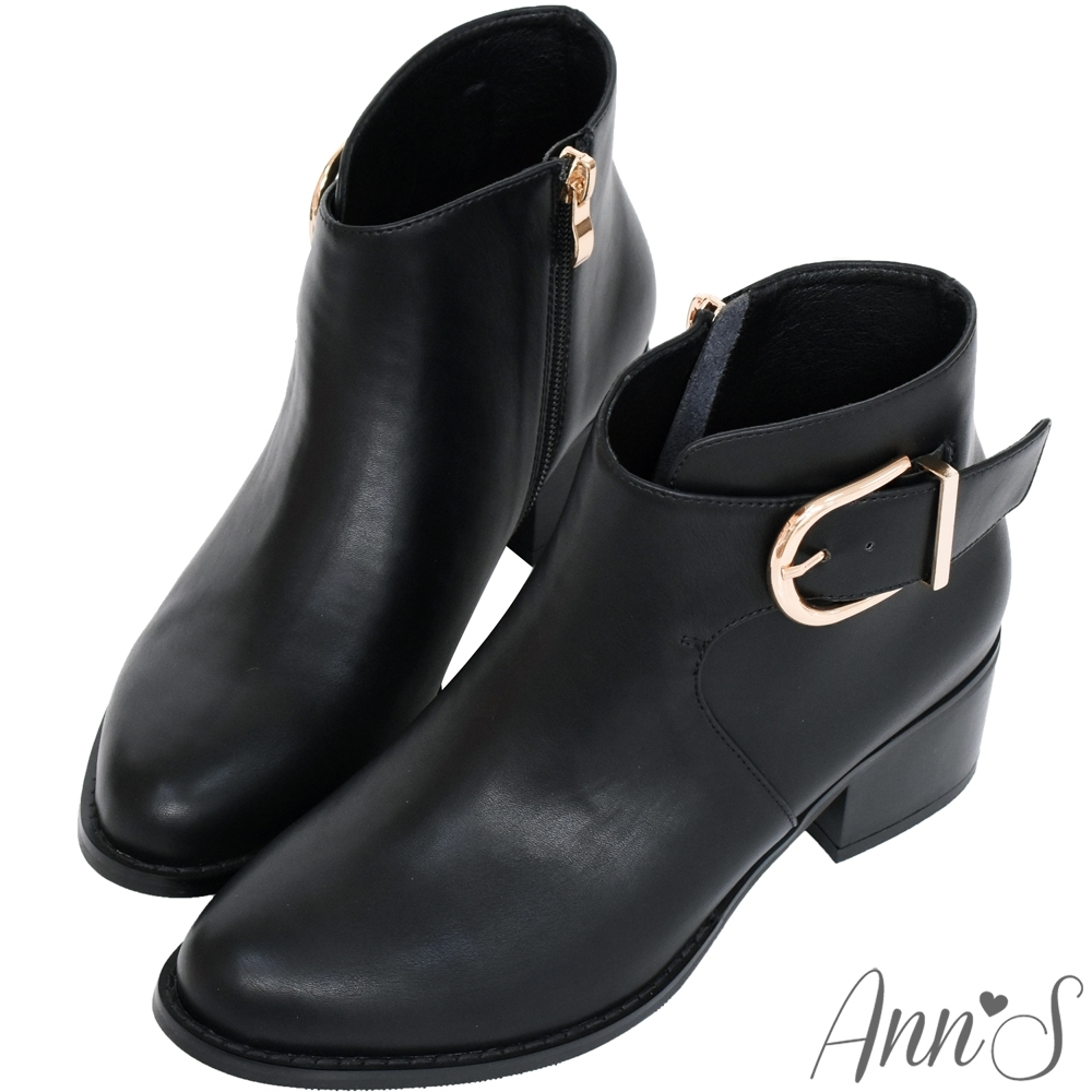 Ann'S 前V弧度側邊造型D扣粗跟短靴-黑