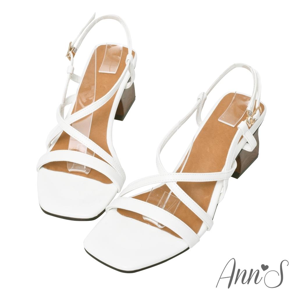 Ann'S藝術木雕造型跟-一字交叉粗跟涼鞋-白(版型偏小)