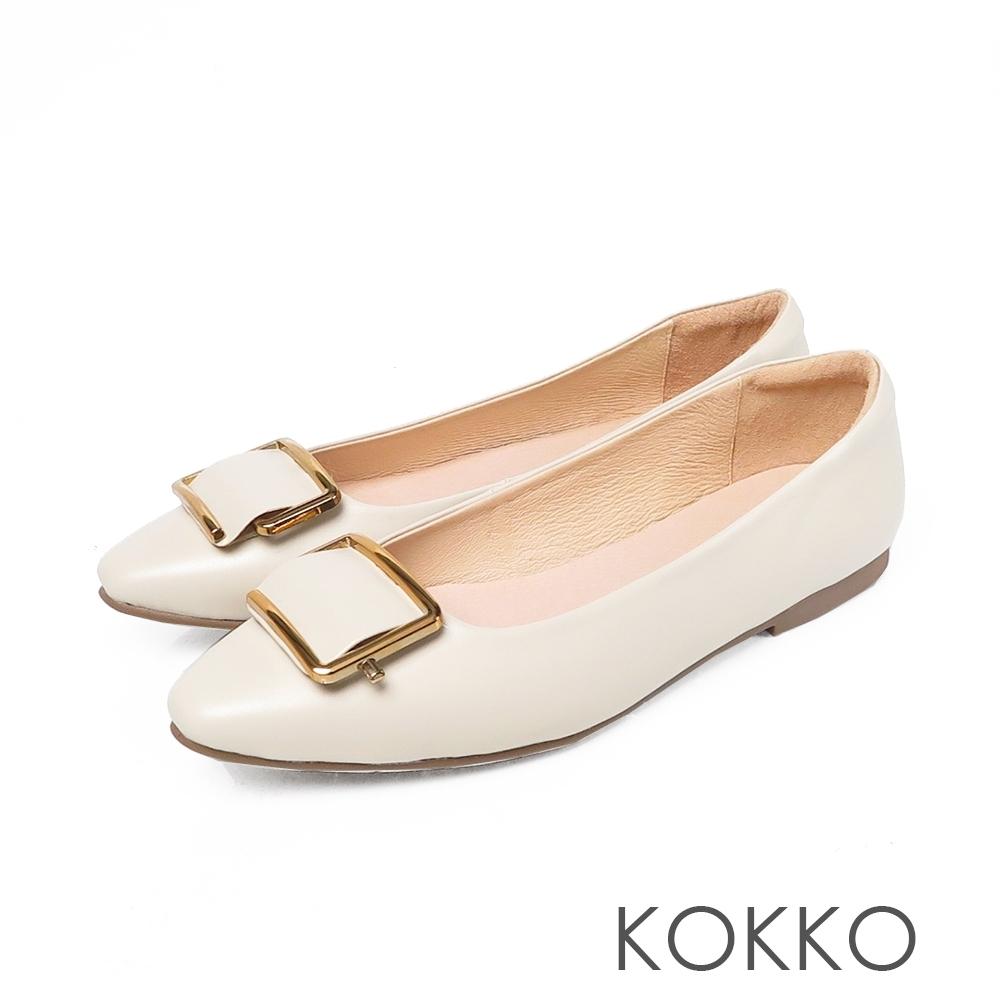 KOKKO 超彈素面方頭真皮平底鞋 椰奶白