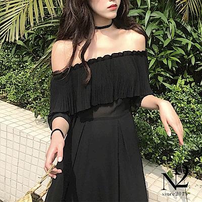 洋裝 雪紡一字領細壓紋收腰拼接連身長裙(黑) N2