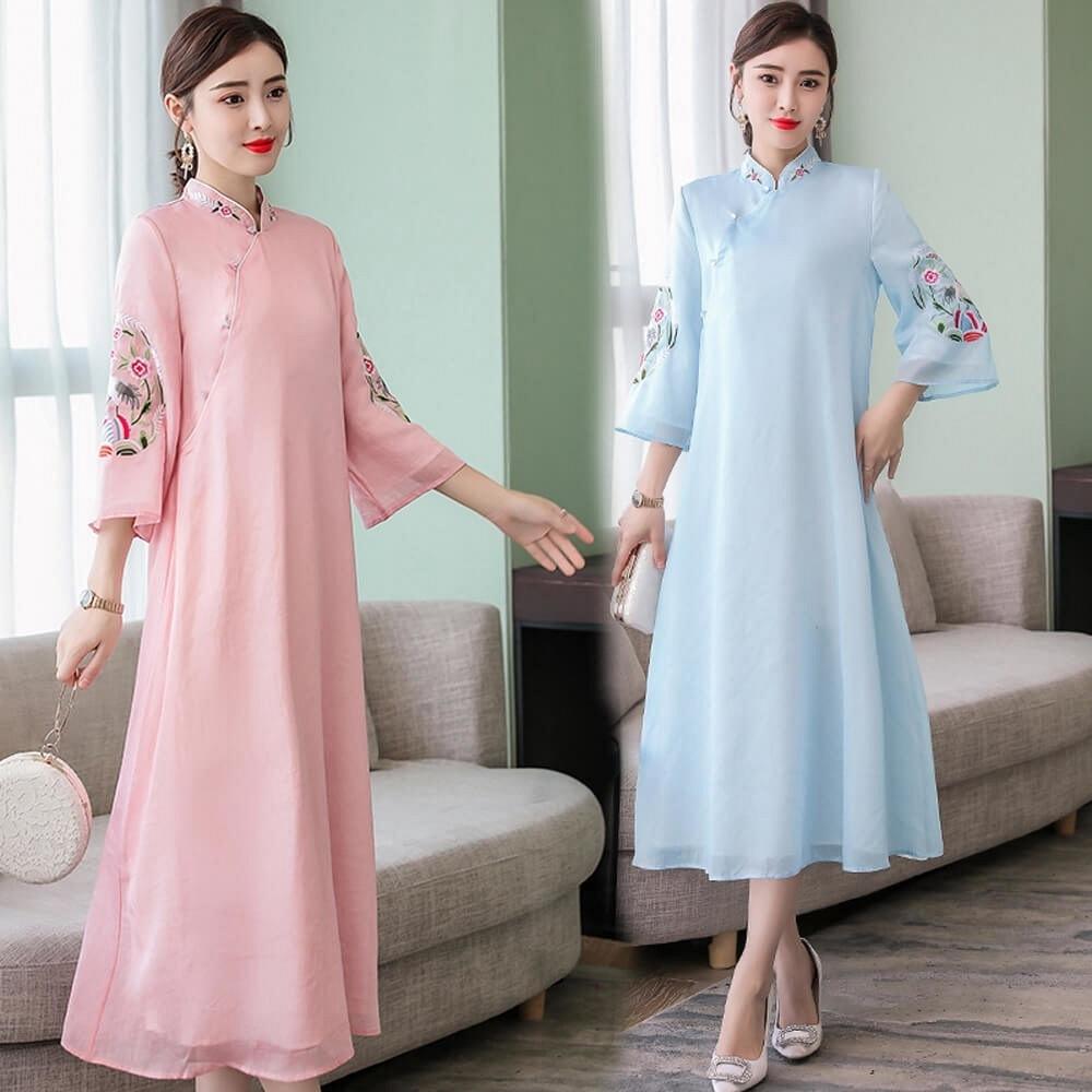 典雅立體刺繡中國風改良式輕柔飄逸旗袍M-3XL(共兩色)-REKO