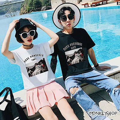 Monkey Shop 男女情侶復古風金龜車人物照片印花短袖T恤-2色