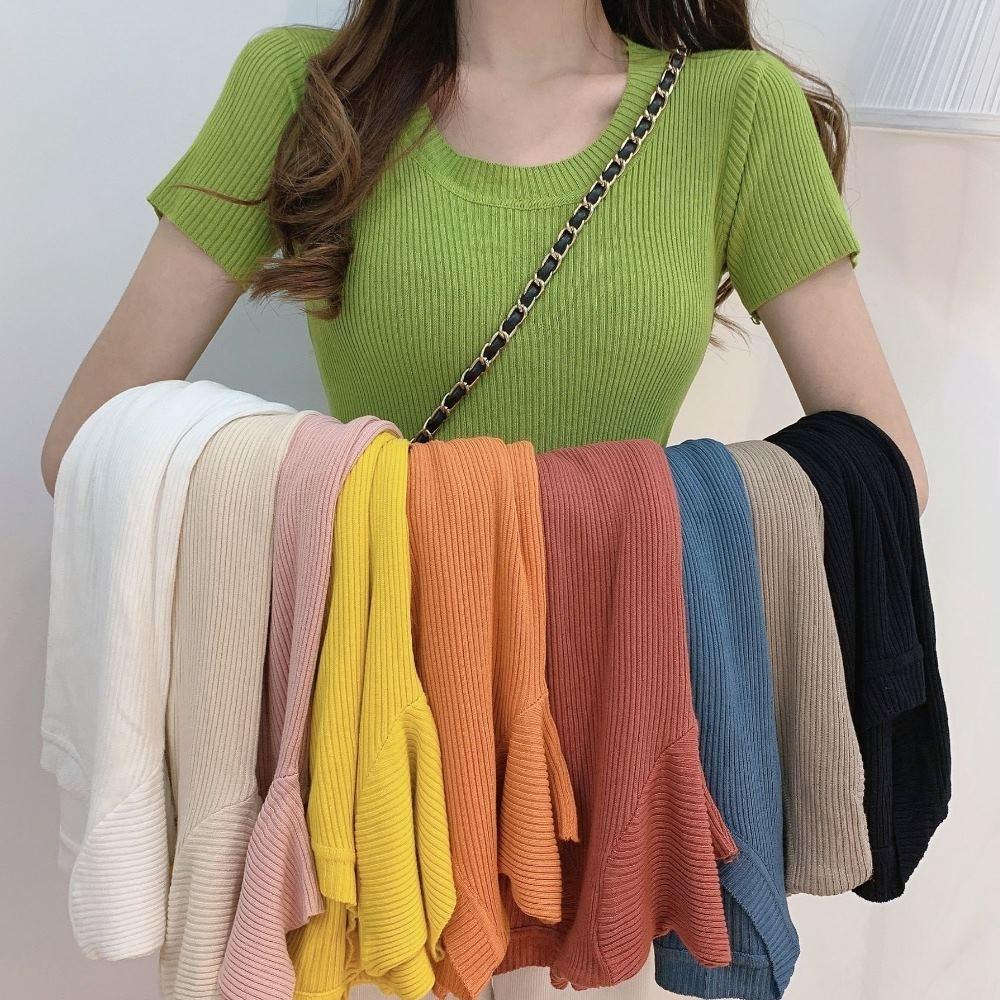 La Belleza圓領柔軟針織坑條短袖合身彈性T恤