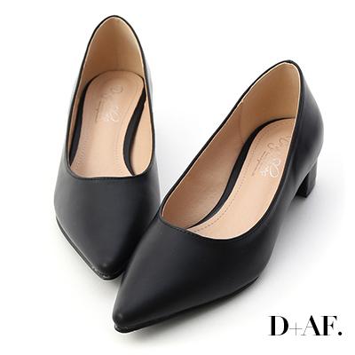 D+AF 知性簡約.素面顯瘦尖頭中跟鞋*黑