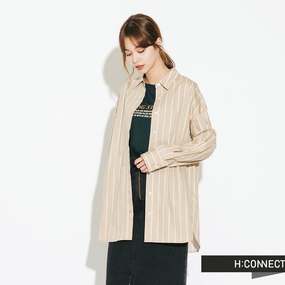 H:CONNECT 韓國品牌 女裝-簡約中長版直條紋襯衫-卡其