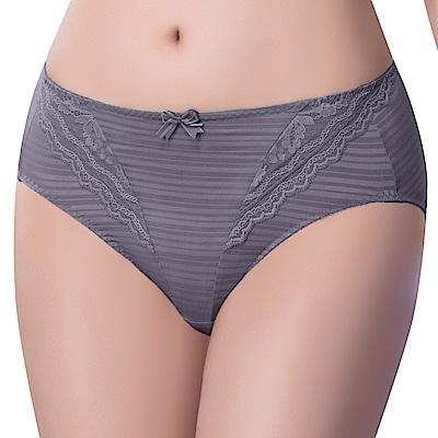 思薇爾 輕沁舒系列M-XXL蕾絲中腰三角內褲(舒漾紫)