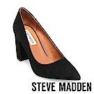 STEVE MADDEN-ASHLYN 麂皮素面尖頭粗高跟鞋-黑色