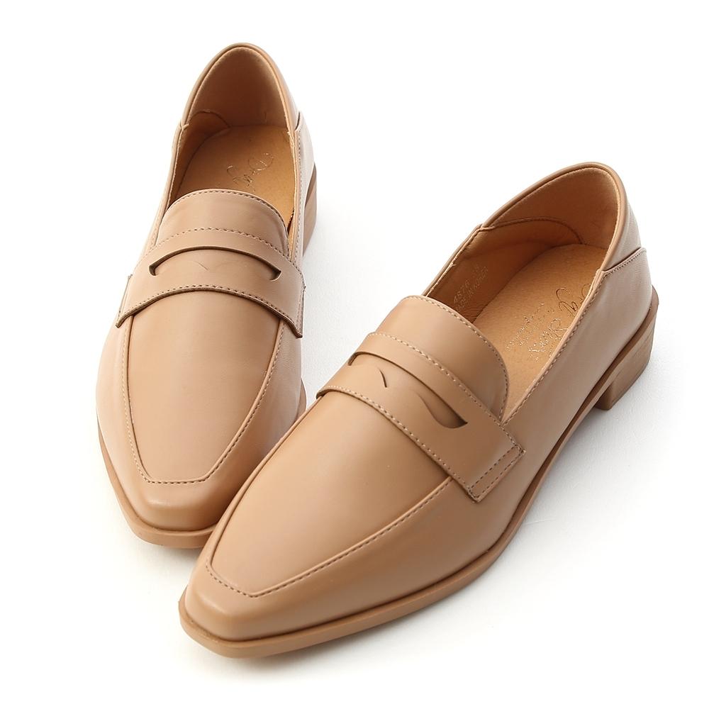 D+AF 紳士格調.經典款微尖頭樂福鞋*杏