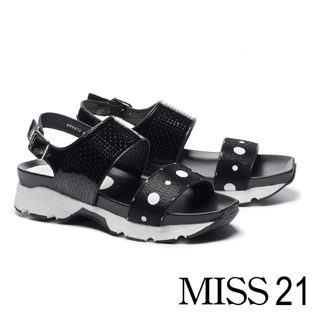 涼鞋 MISS 21 夏日一字帶撞色拼接幾何沖孔厚底涼鞋-黑