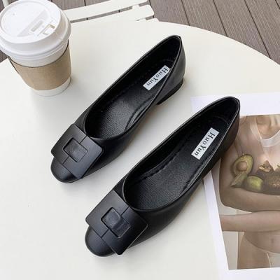 KEITH-WILL時尚鞋館 時尚方扣素面低跟淑女鞋-黑