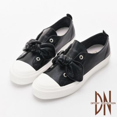 DN 自在漫步 真皮蝴蝶結造型金屬色休閒鞋-黑