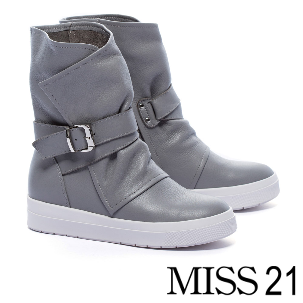 短靴 MISS 21 中性魅力釦帶裝飾全真皮厚底中筒短靴-灰