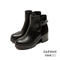 達芙妮DAPHNE 短靴-圓頭佐寬版腰扣雲軟粗跟短靴-黑