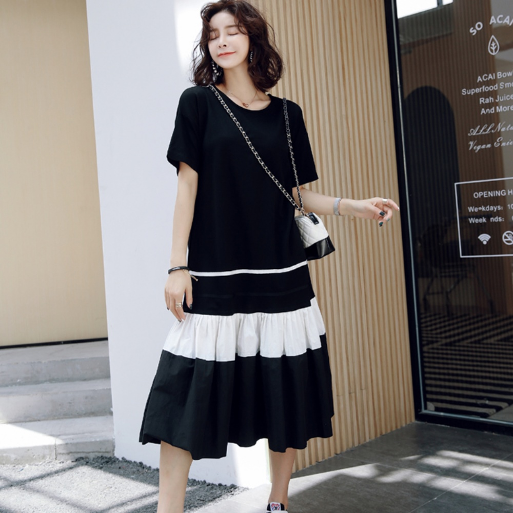 暢貨出清MOCO圓領下擺拼接蛋糕裙擺層次長版洋裝