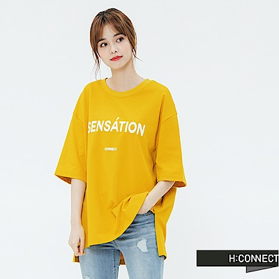 H:CONNECT 韓國品牌 女裝-側開岔標語圓領T-shirt-黃