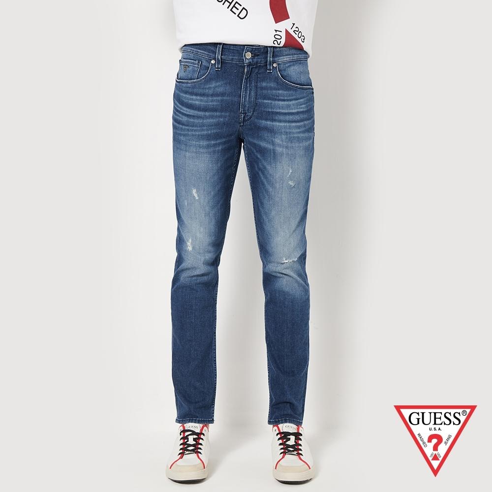 GUESS-男裝-仿舊造型窄版牛仔褲-深藍 原價3790