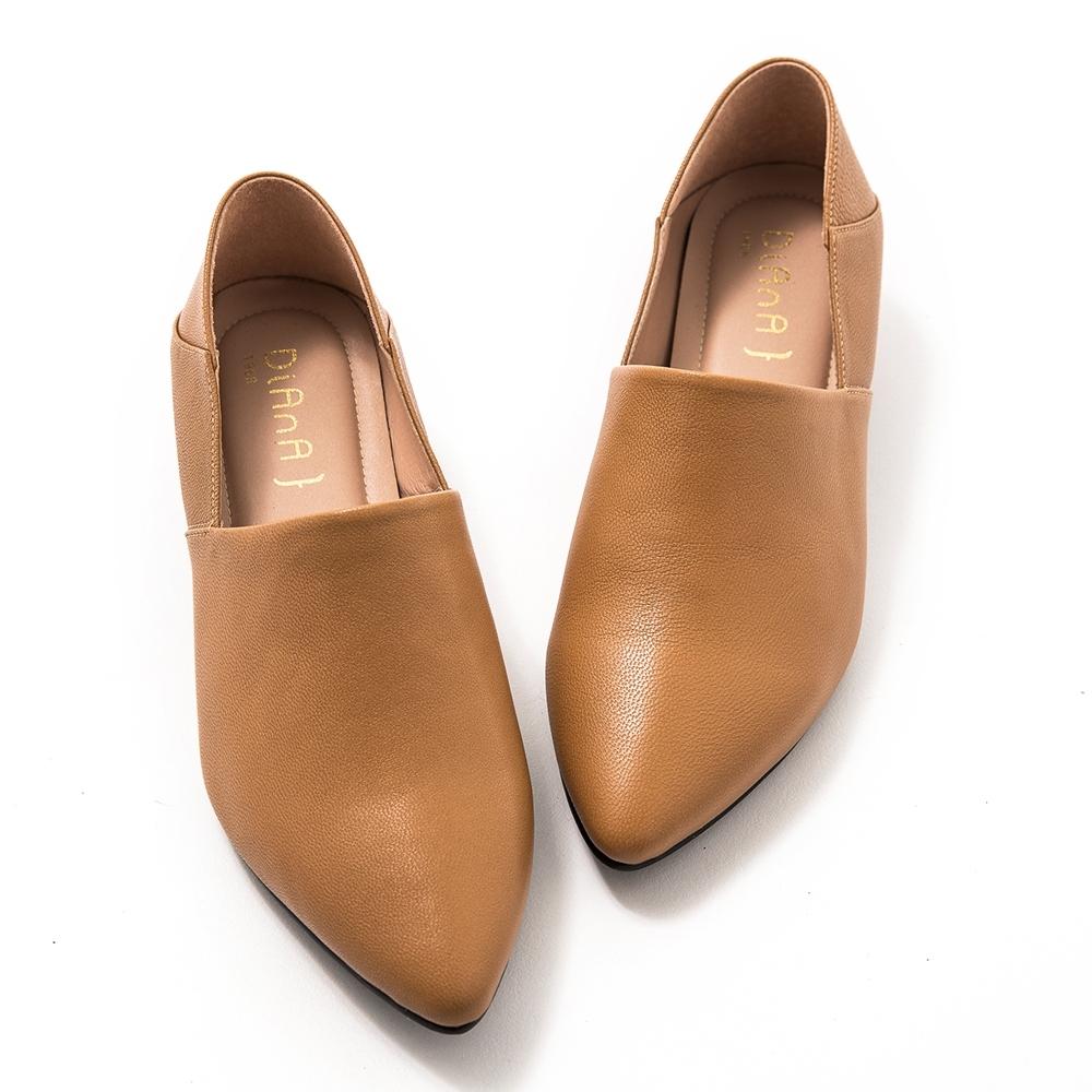 DIANA素色兩穿2way羊皮樂福鞋-簡約時尚-棕
