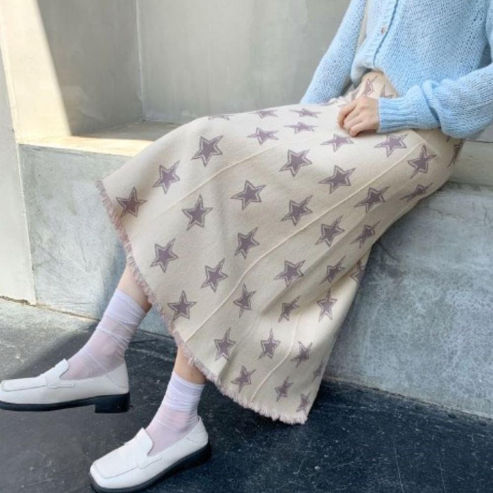 La Belleza鬆緊腰滿版星星針織長裙下擺鬚鬚八片裙