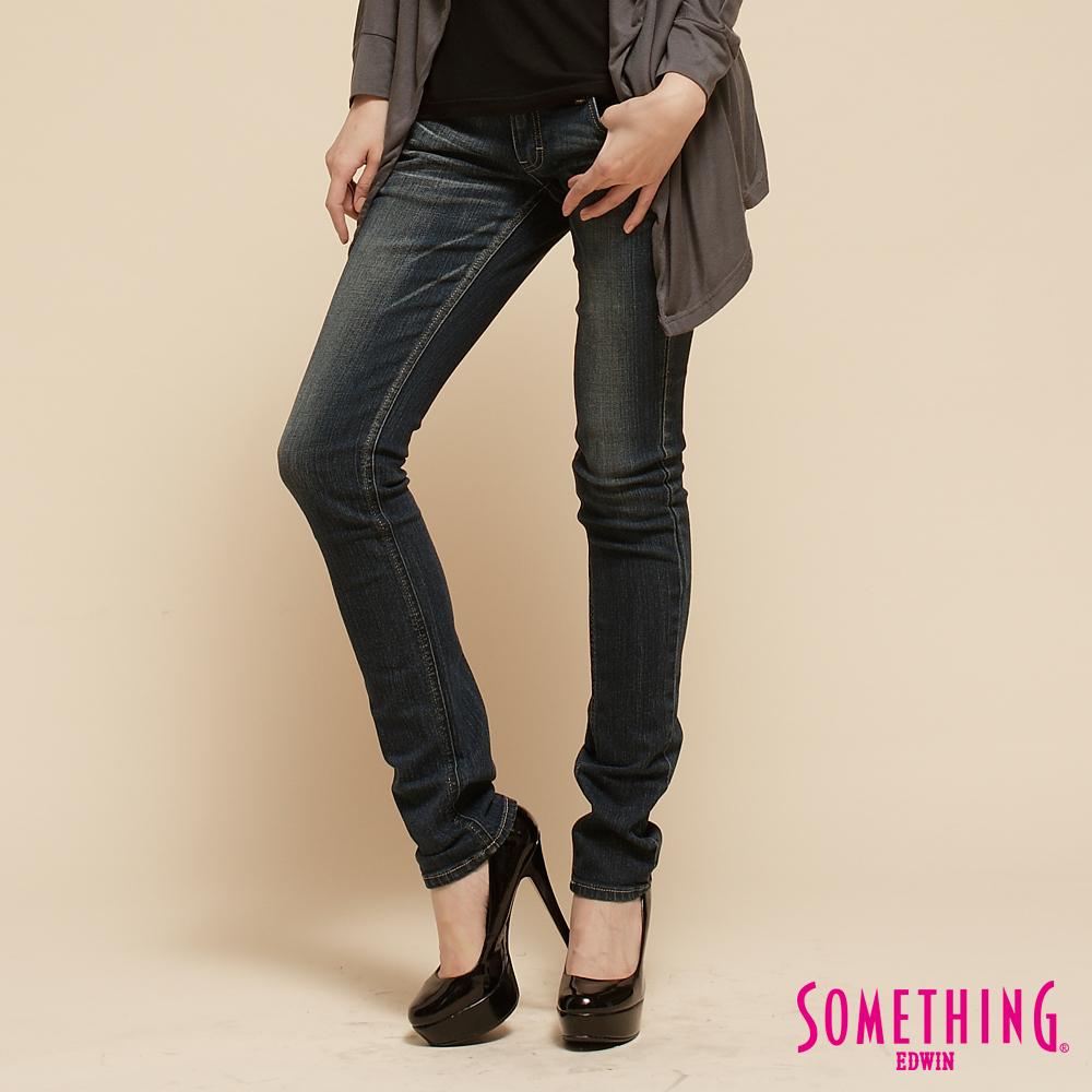 【SOMETHING】純真氛圍 NEO超合身窄直筒牛仔褲-女款(拔洗藍)