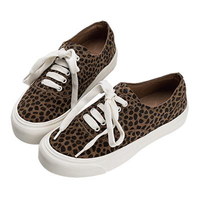 Robinlo 街頭必備豹紋真皮低筒休閒鞋 卡其