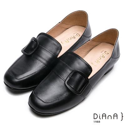 DIANA經典學院-率性2Way金屬皮帶釦休閒跟鞋-黑