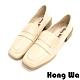 Hong Wa 英倫紳士‧刷舊牛皮扣帶粗低跟樂福鞋 - 米 product thumbnail 1