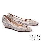 高跟鞋 HELENE SPARK 晶鑽雕花鏤空麂皮楔型高跟鞋-金