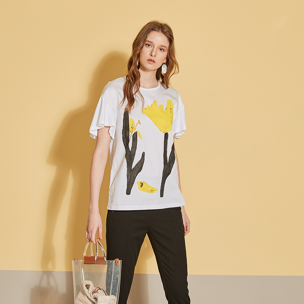 ICHE-衣哲-時尚印花喇叭袖拼接落肩造型上衣-白