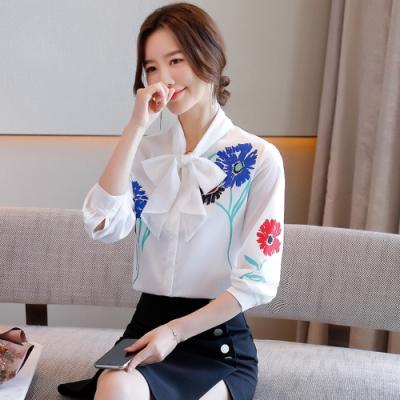 清新白色俏麗花朵蝴蝶結襯衫-S-2XL-白色戀人