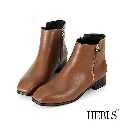 HERLS 自在個性 雙拉鍊素面方頭短靴-棕色