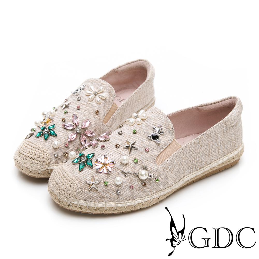 GDC-歐美小香風水鑽小花舒適平底草編漁夫鞋-米色