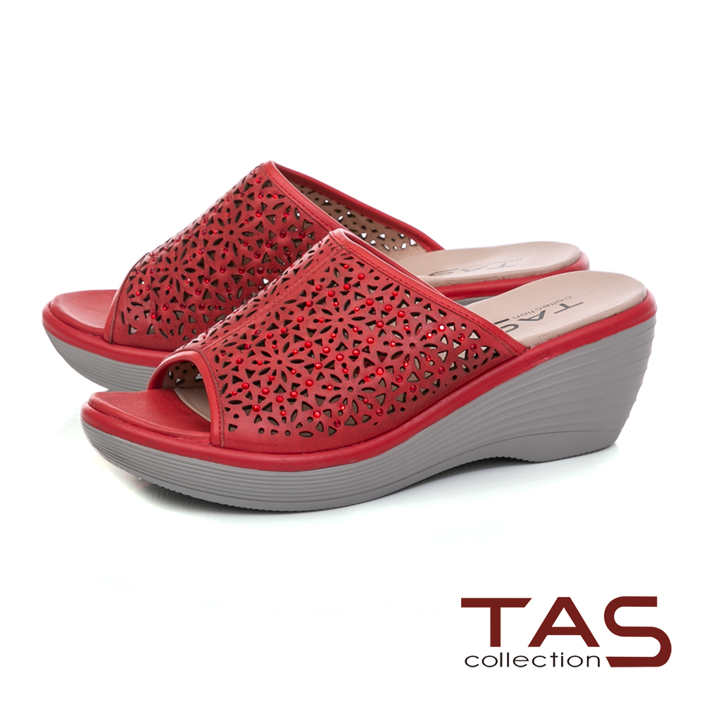 TAS 鏤空雕花厚底楔型涼拖鞋-熱情紅