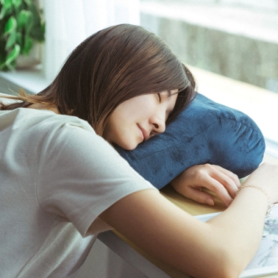 樂嫚妮 午睡枕/趴睡枕/頸枕/靠枕墊-寶藍