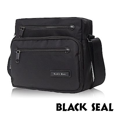 福利品 BLACK SEAL 經典休旅系列 多隔層收納休閒橫式斜背/側背包-經典黑