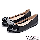 MAGY 甜美舒適款 布面格紋蝴蝶結拼接牛皮平底鞋-黑色